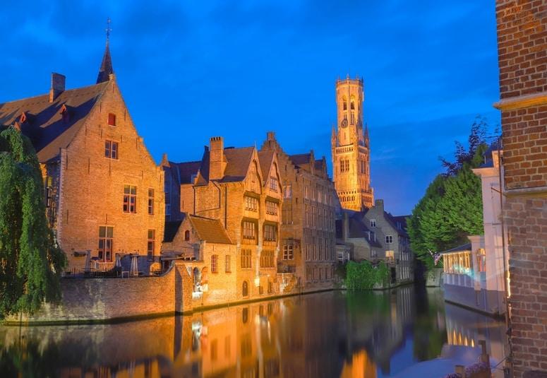 Night Walking Tour in Brugge